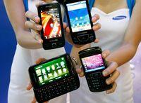 Samsung Omnia Pro B7610 (lewy od dołu))