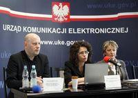 W środku Prezes Urzędu Komunikacji Elektronicznej Anna Streżyńska
