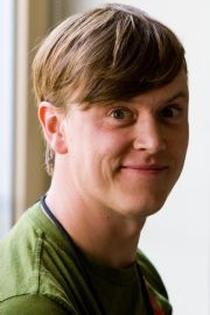 Justin Hall - autor 'Links from the Underground', pierwszego bloga w historii internetu.