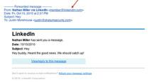 """Szczególnie groźne są oszustwa """"kombinowane"""", czyli takie, w których napastnicy korzystają z różnych metod """"spoofingu"""". Np. internauta poznaje kogoś na LinkedIn, po czym otrzymuje od nowego znajomego mail, wyglądający tak, jakby był wysłany za pośrednictwem serwisu (ale nie jest)."""