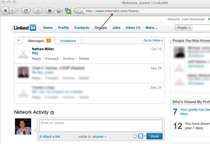 """Gdy użytkownik kliknie link """"Odpowiedz"""" zostanie przeniesiony na stronę udającą LinkedIn.com, na której oszust już czyha na jego dane logowania."""