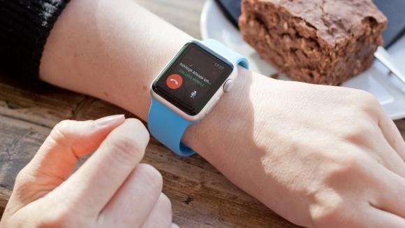 Za pomocą Apple Watch można prowadzić połączenia głosowe