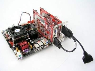 Zestaw CrossFire jaki testowaliśmy składał się z dwóch kart ATI Radeon X850 XT (jedna CF Edition), wzorcowej płyty głównej ATI z chipsetem Xpress 200 oraz widocznego na zdjęciu specjalnego kabla łączącego obie karty