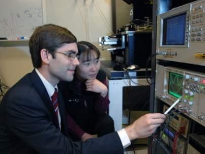 Tomás Palacios i Jing Kong - naukowcy zaangażowani w projekt