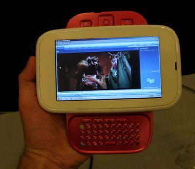 Jeden z zaprezentowanych podczas IDF komputerów Ultra Mobile PC