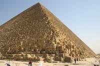 Co jeszcze kryje w sobie Wielka Piramida w Gizie? (źródło: Wikipedia, zdjęcie wykonał Alex Ibh)