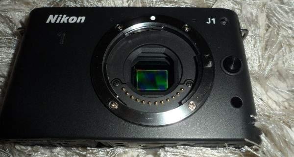 Nikon J1 bez obiektywu