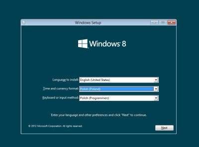 Instalacja Windows 8 nie różni się niczym szczególnym od instalacji Siódemki. Wersja Windows 8 Consumer Preview została wydana w językach angielskim, francuskim, niemieckim, japońskim oraz uproszczonym chińskim