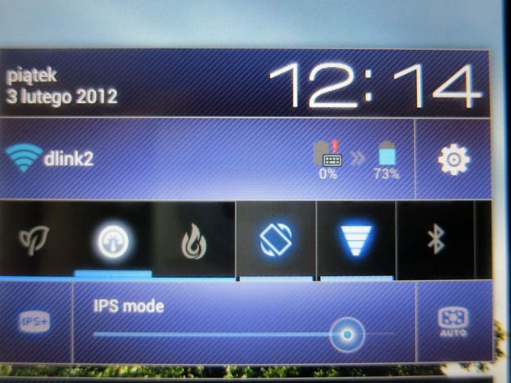 Asus Transformer Prime TF201 - dodatkowa bateria w klawiaturze ma istotny wpływ na czas pracy tabletu na baterii.