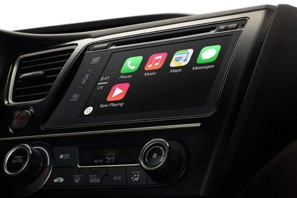 Apple już teraz pojawia się w samochodach dzięki połączeniu z iPhone'm