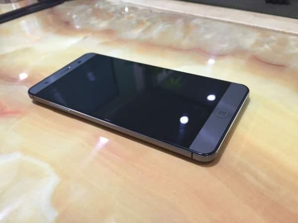 Elephone P7000 (foto: strona oficjalna)