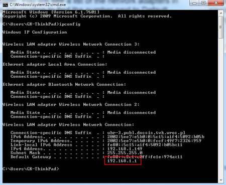 Pole Default Gateway wyświetla adres IP routera.