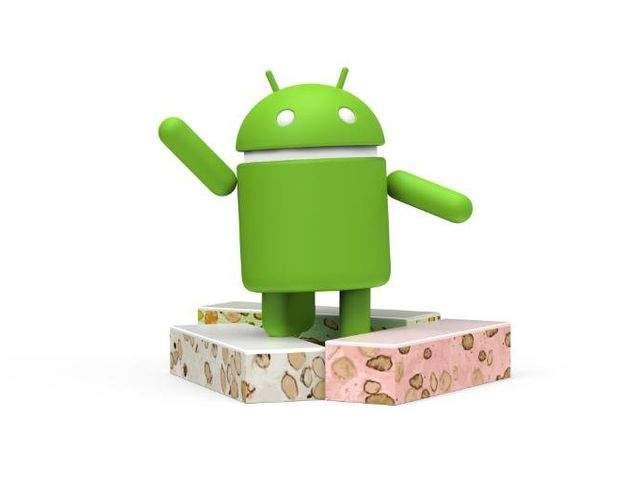 Android Nougat wziął swoją nazwę od popularnego deseru (masa z syropu gotowanego z miodem wymieszana z siekanymi orzechami włoskimi lub migdałami oraz pianą ubitą z białek)