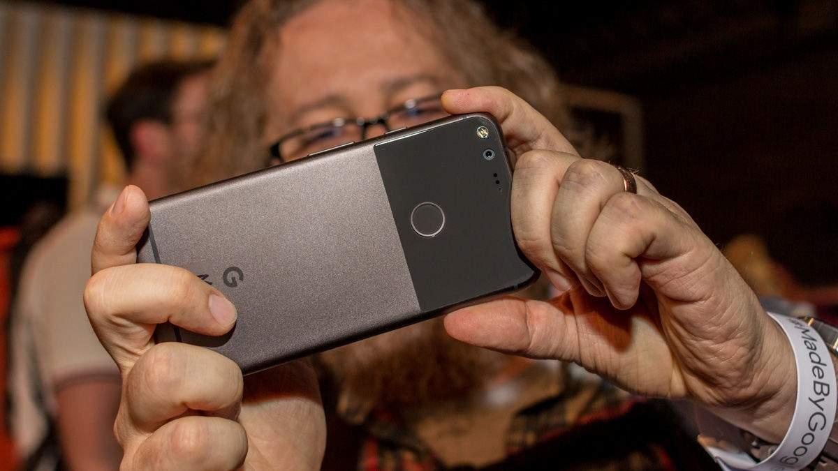 Wygląd Pixela XL może zaskakiwać. Zwłaszcza, gdy spojrzymy na tył urządzenia.