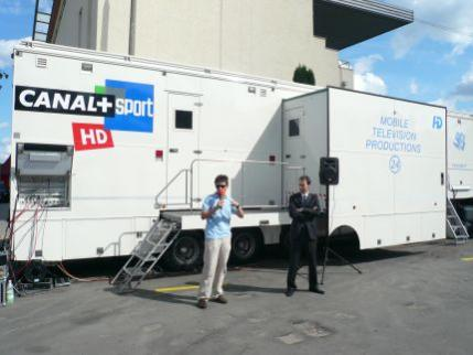 Tomasz Smokowski dziennikarz sportowy Cyfry  opowiada o współpracy dziennikarzy i techników podczas transmisji sportowych