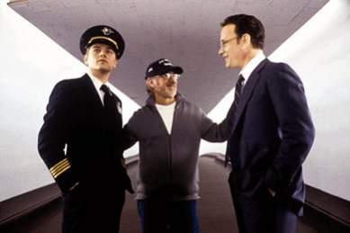 Przygody Abagnale'a zainspirowały Stevena Spielberga do nakręcenia filmu o oszuście. Rolę naszego rozmówcy zagrał w nim Leonardo di Caprio, zaś w ścigającego go agenta wcielił się Tom Hanks.