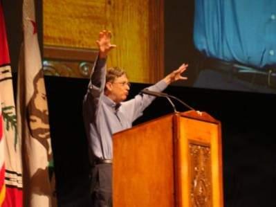 Bill Gates podczas prelekcji
